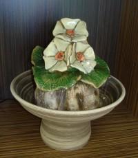 Декоративен фонтан Лозов лист с три маргаритки