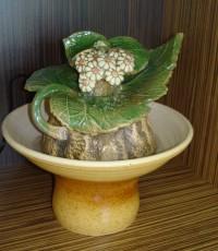 Декоративен фонтан Букет от маргаритки от керамика