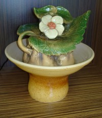 Декоративен фонтан Лозов лист с една маргаритка
